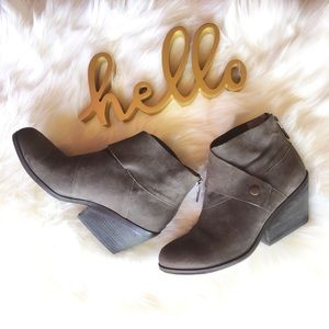 Eileen Fisher wrap snap brown leather bootie Sz 7